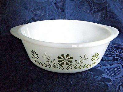 Glasbake 1 1/2 Qt Bake Serve White Green Daisy Pattern Very Good Used Condition