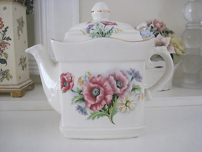 Gorgeous Sadler Pink And Mauve Anemone Flower Teapot