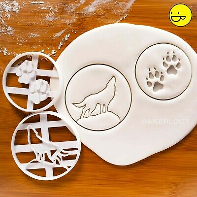 SET of 2: Wolves theme cookie cutters (Paw Prints & Howling Wolf) | full moon