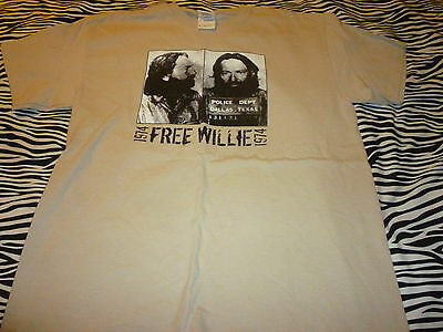Willie Nelson Shirt ( Used Size M ) Nice Condition!!!