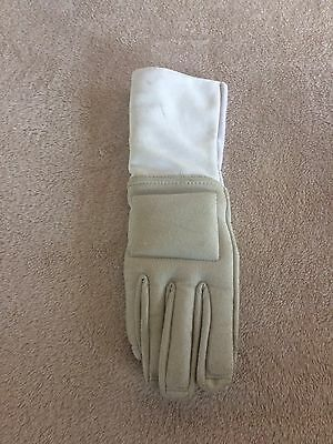 Leon Paul Fencing Gauntlet - Right Hand Size Size 8