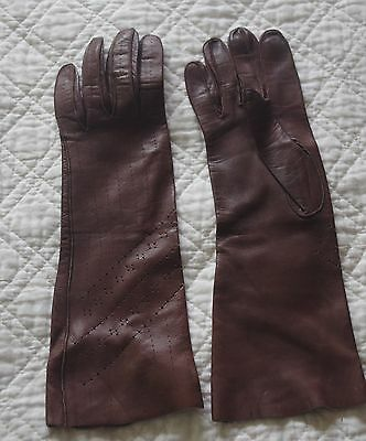 Gorgeous long brown vintage ladies kid leather gloves Small
