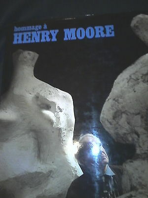 Hommage a Henry Moore.