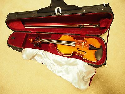 Westbury 1/2 violin with bow and case