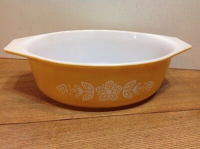 Vintage Pyrex Butterfly Gold Oval Covered Casserole 043