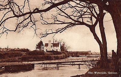 THE WATERSIDE GALWAY IRELAND IRISH POSTCARD by GALWAY WHOLESALE Co.   UNPOSTED
