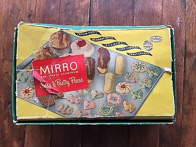 Vintage Mirro Cooky Cookie and Pastry Press No.358 AM 12 Discs 3 Tips Wood Tray