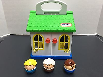 Vintage Little Tikes Toddle Tots Family House with Three Toddle Tots People