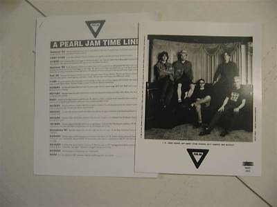 """PEARL JAM Yield PROMO Press Kit w 8x10"""" Photo, 4 Pages Info"""