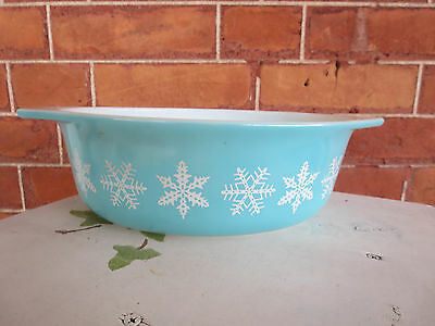 Pryex Oval Turquoise Snowflake 1 1/2 Quart Casserole Bottom 043 Made in USA