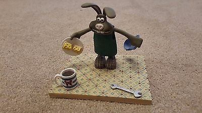 McFarlane Wallace & Gromit Curse of the Were-Rabbit Figure Hutch