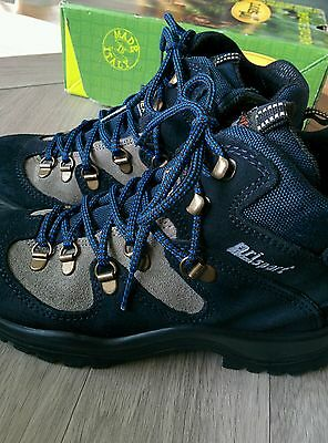 Grisport Hiking Boots - size 35 - excellent condition!