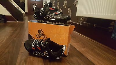 Muddy Fox cycling shoes size 9 worn once