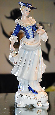 ANCIENNE GRAND STATUETTE FIGURINNE EN PORCELAINE Ht26cm