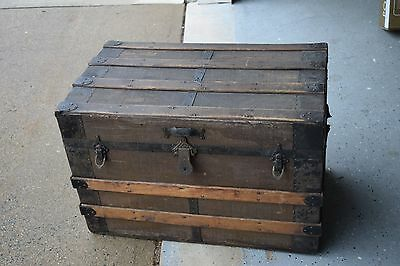 Vintage Antique Wooden Steamer Flat Top Trunk Box Chest Yale Towne Mfg. USA