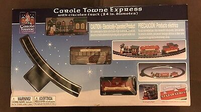 NEW UNOPENED Carole Towne Express Christmas Train Electric Set E