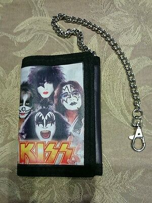Kiss Tri- fold Wallet With Security Chain