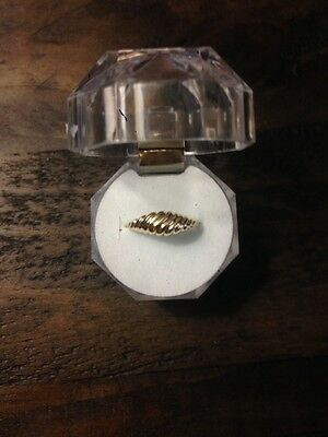10K Gold ring with a beautiful design