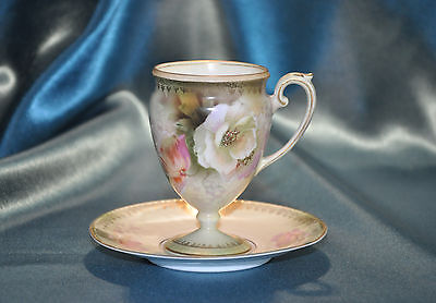 BEAUTIFUL RS PRUSSIA CABINET PEDESTAL CUP & SAUCER  with Gilt edge (1104)
