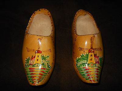 Vintage Pair of Holland Hand Painted Souvenir Wooden Shoes