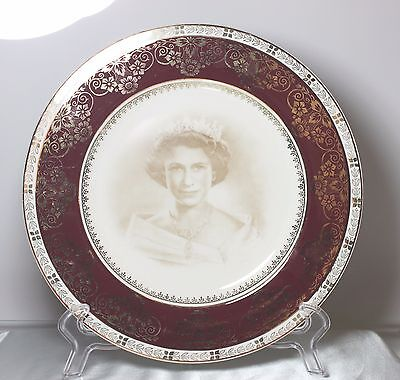 Queen Elizabeth Ii Coronation Plate 1953 Crown Ducal England Red Gold Band