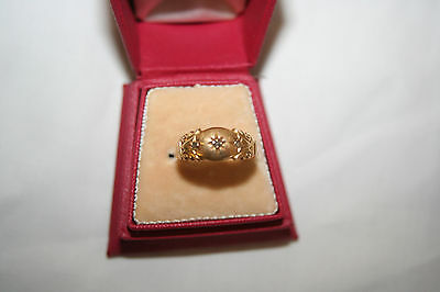 Antique 18ct gold and diamond ring fully hallmarked for Birmingham 1916.  Size R