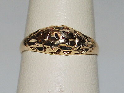 10K Gold ring with beautiful design