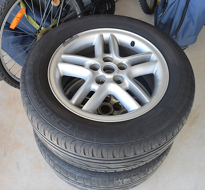 """5 x 18"""" Inch Original Land Rover Discovery Alloy Rims with Continental tyers"""