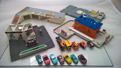 Micro Machines Various City PlaySet Parts and 12 Vehicles Bundle Retro 90's