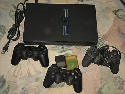 PS2 Console + 3 controle + Extention for control + 2 memory cards