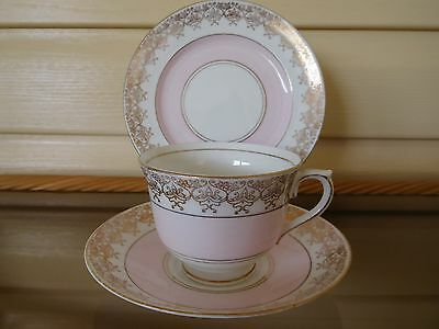 Vintage Colclough Pink Trio Gilded Lace Edges 5758 Made In England 1940s