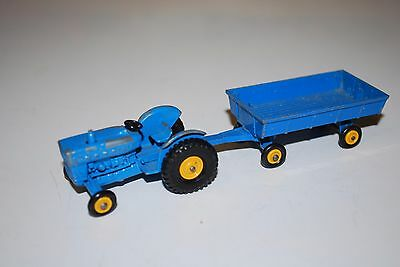Vintage Matchbox Ford Tractor No 39 and Hay Trailer No 40