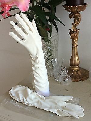 VINTAGE 50s CREAM GLOVES HAND MADE RETRO WEDDING RACES PROMS LONG LENGTH SIZE 7