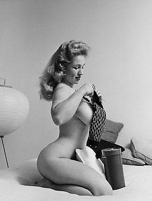 1960s Nude Pinup Virginia Bell in bed knitting a scarf 8 x 10 Photograph