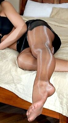 Calze collant usate colore tabacco-marroni. Pantyhose used. Work Tights