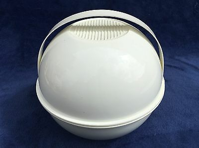 1970s Guzzani Pic Boll Picnic Set in Off White - Lightly Used 100% complete
