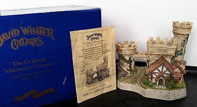 The Guardian Gate David Winter Cottages Castle Collection Box COA 1994