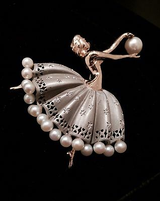 Beautiful Fine vintage ballerina dancer brooch Pearls & Diamonds solid 14ct gold