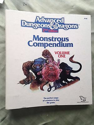 2nd edition Monstrous compendium Vol 1 dungeons and dragons