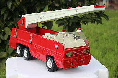 Rare Vintage 1970's Tonka Fire House Truck With Aerial Crank Extension Ladder