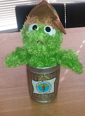 Sesame Street Oscar the grouch **ALL OFFERS WELCOME **muppets. RARE UK