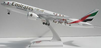 1/200 Emirates Boeing 777-200LR in Arsenal FC sponsorship livery A6-EWJ