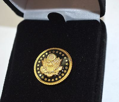 Great Seal Of The Usa Black & Gold-Plated Lapel Pin~Black Velvet Gift Boxed