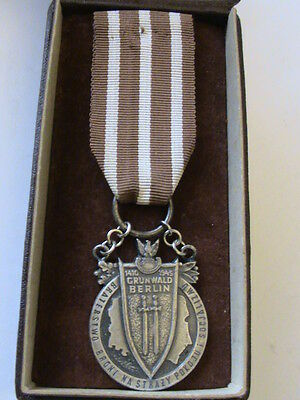 POLISH MEDAL OF BROTHERHOOD IN ARMS 1975-type - RARE - OCCASION !!!