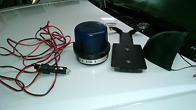 Whelen Hotshot II Emergency Beacon and Windshield Mount Kit