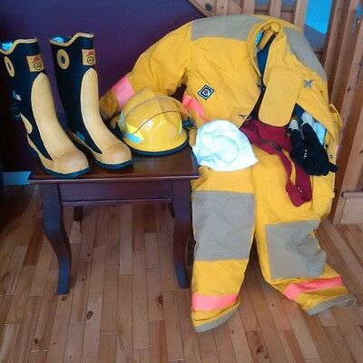 Unused Fire-Dex Chieftain 35M Bunker Turnout Gear Complete