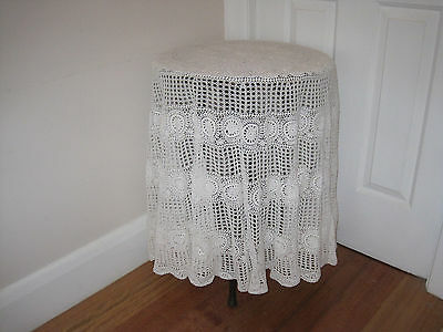 Lovely Vintage White Round Crochet Lace Tablecloth