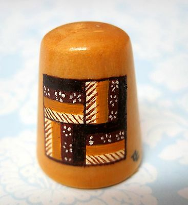 Hand Painted Signed Numbered Thimble Rail Fence Quilting Block Pattern M7