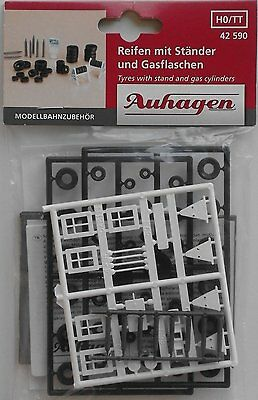 Auhagen 42590 Tyres With Stands & Gas Cylinders 00/HO Plastic Model Kit