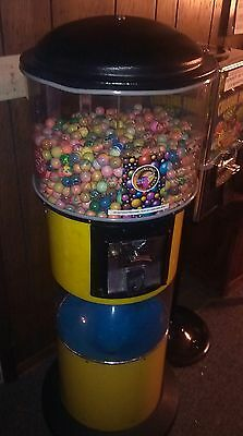 Giant size 25 cent candy, superball, toy, capsule, gumball vending machine w cyc
